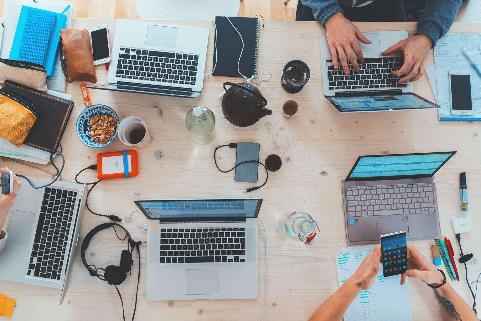 coffeeshop, friends, laptop, studying, work
