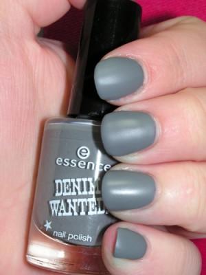 Matte nail polish example