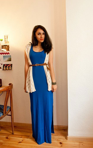How to wear a maxi dress - vest, belt