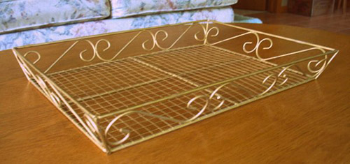 Metal basket for jewelry