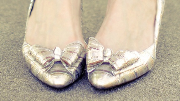 Metallic bow shoes