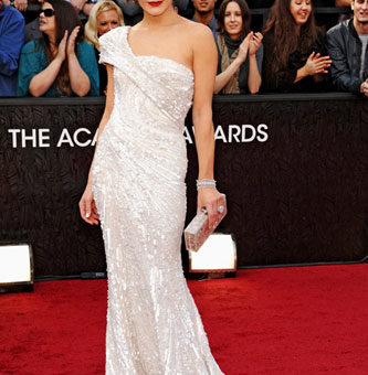Milla Jovovich in Elie Saab Couture at the 2012 Academy Awards