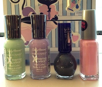 Paw prints and kittens nail tutorial polishes