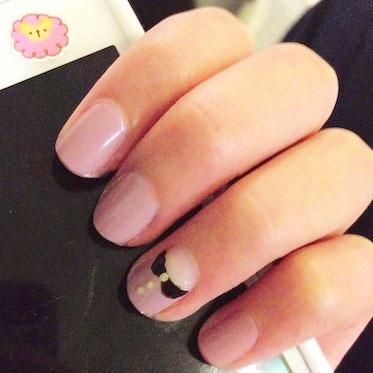 Peter pan collar nails