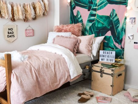 Tropical pink bungalow room setup from Dormify.