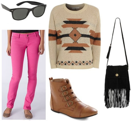 How to wear hot pink skinny jeans with a geometric sweater, brown boots, wayfarers and a fringe bag