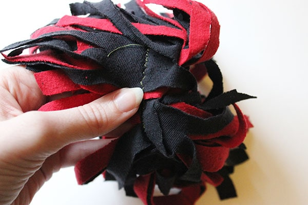 Pom-pom hair tie step 5
