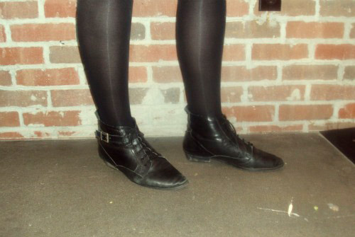 Fashion at Portland State University: Cute boots on a college fashionista