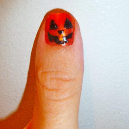 Halloween pumpkin jack-o-lantern nail