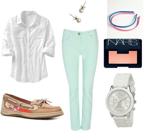 Quick & Easy Last-Minute Outfit 2: Mint skinny jeans, white button-down shirt, sperry boat shoes, stud earrings, watch, headband