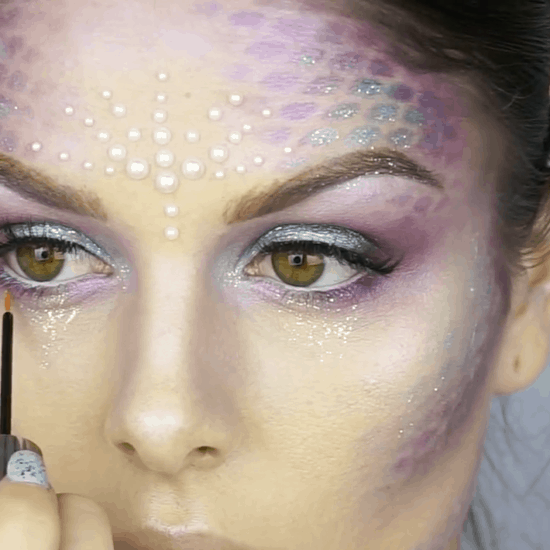Easy Halloween makeup ideas: Metallic mermaid makeup look
