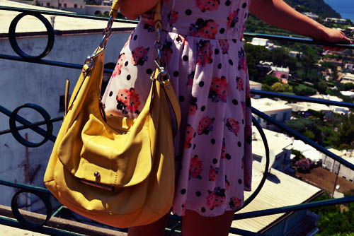 College street style - yellow bag