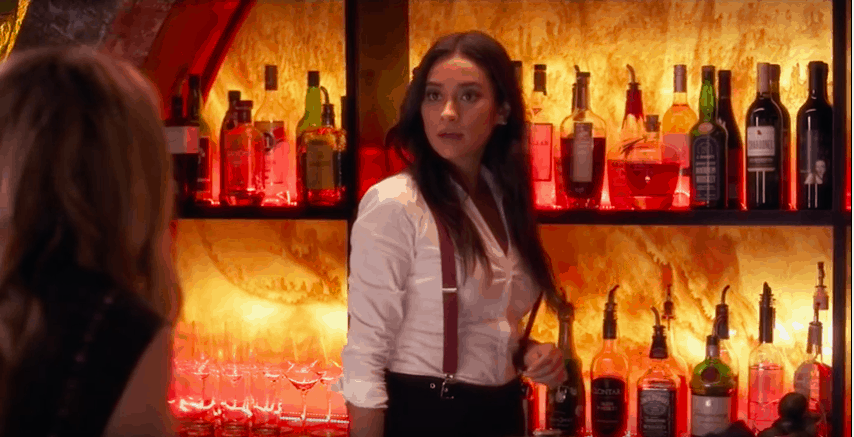 Pretty Little Liars season 7 fashion - emily's bartending outfit at The Radley