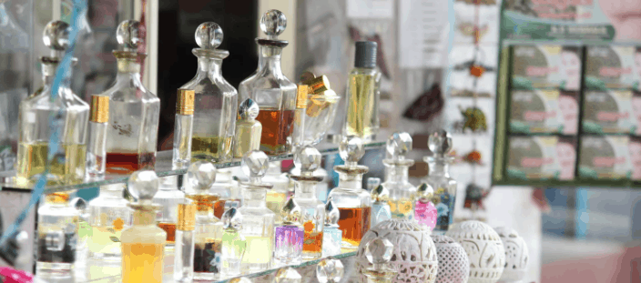 How to choose a perfume: Photo of fragrance bottles lined up