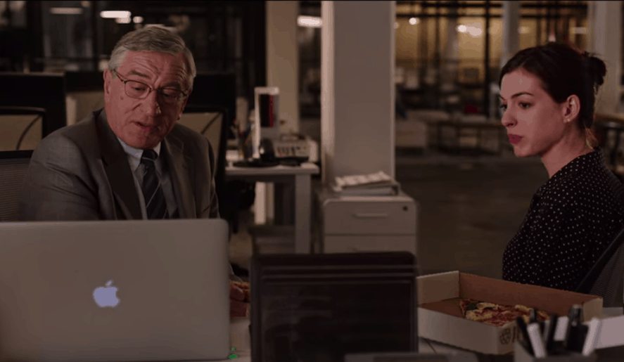 The Intern movie: Ben and Jules at the computer
