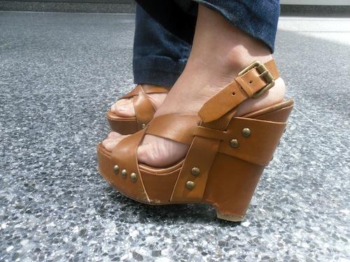Syracuse University fashion trend - wedge heels