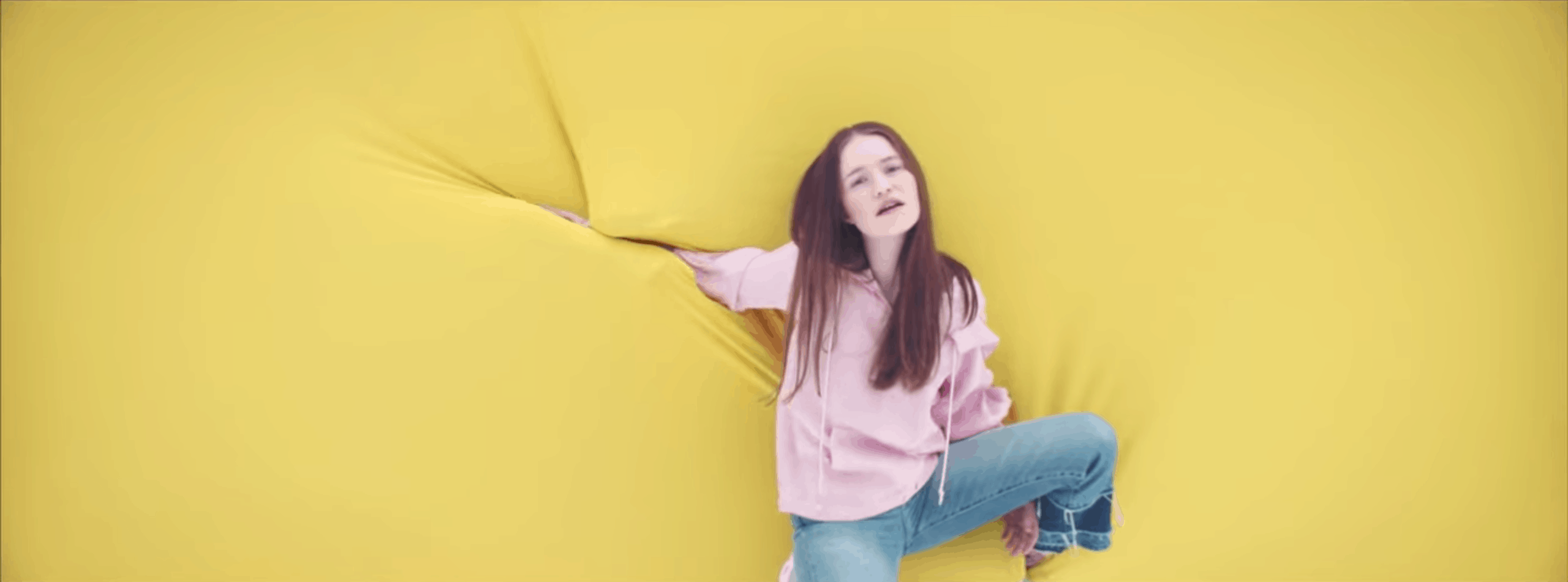 "Screenshot of the music video for ""Don't Kill My Vibe"" by Sigrid"