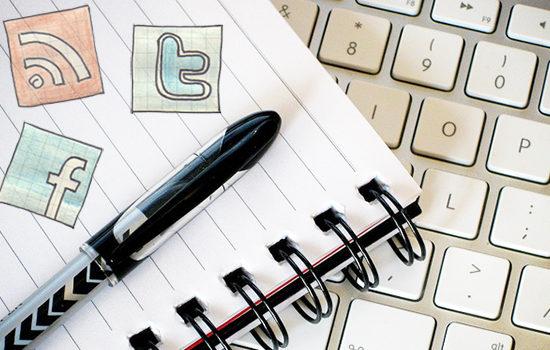 How to use social media for education - Social media doodles