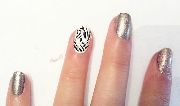 Spiderweb & mummy nail art step 2