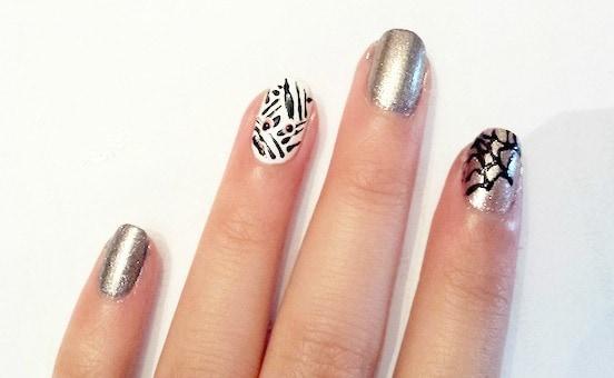 Spiderweb & mummy nail art step 4