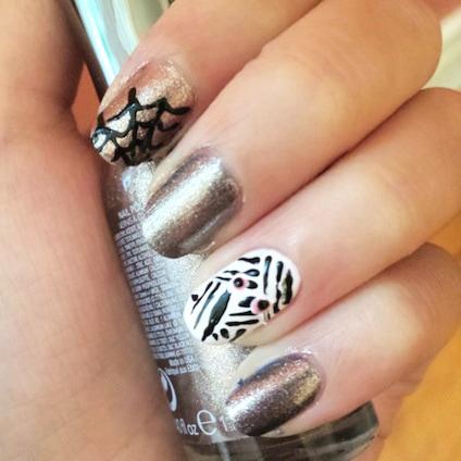 Spiderweb & mummy nail art