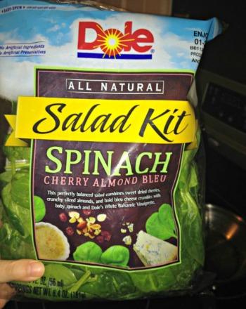 Spinach salad kit