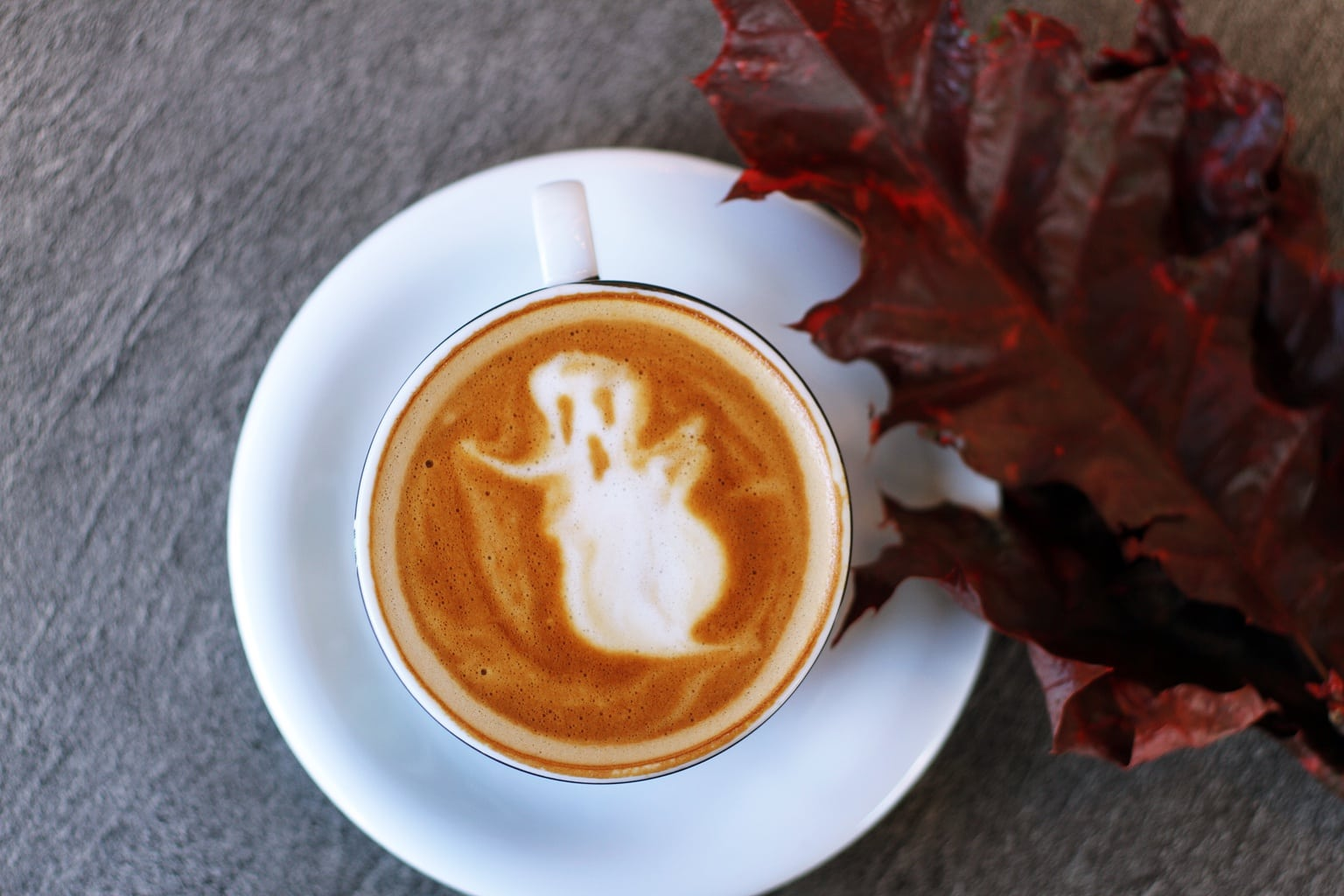 Ghost latte art with leaf
