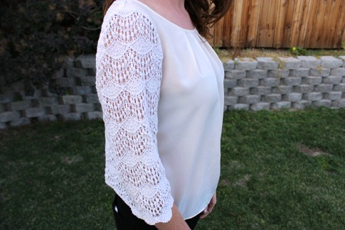 Student street style trend lace sleeve top
