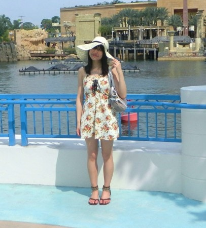 848edbeafbc It s an outfit created for a vacation – the location of the photo is  Universal Studios