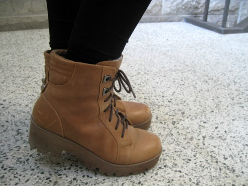 Tan lace up boots street style