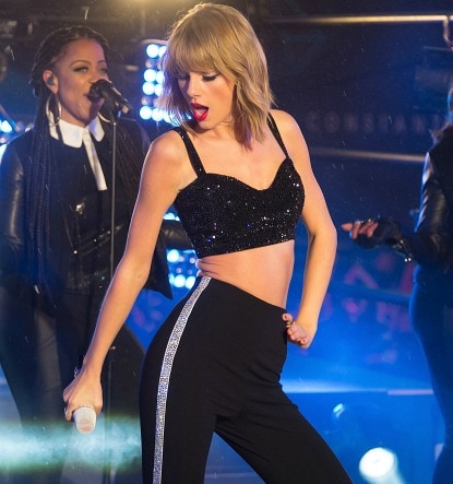 Taylor Swift New Year's Eve look