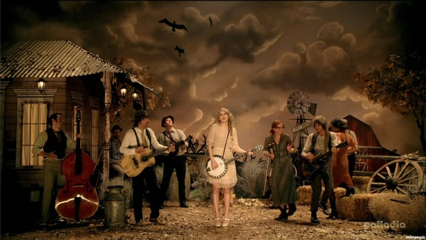 Taylor Swift 'Mean' Music Video Screencap 1 - Taylor and her band in front of a farm house