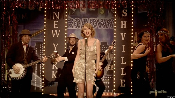 Taylor Swift 'Mean' Music Video Screencap 3 - Taylor on Broadway