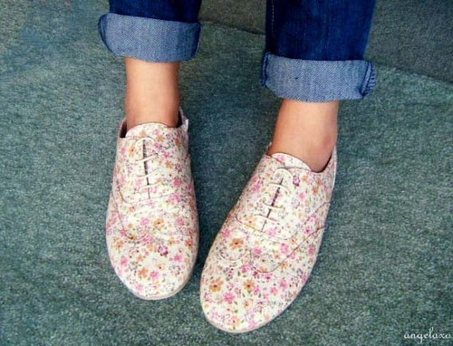 Cute oxfords, one of the latest fashion trends on college campuses