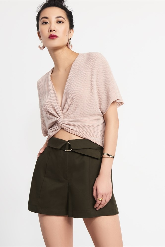 Twist-front pleated top
