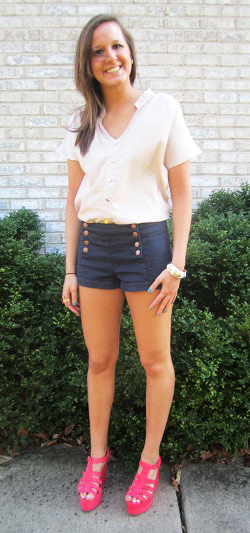 College student fashion at the University of Iowa - shorts, loose tee, statement heels
