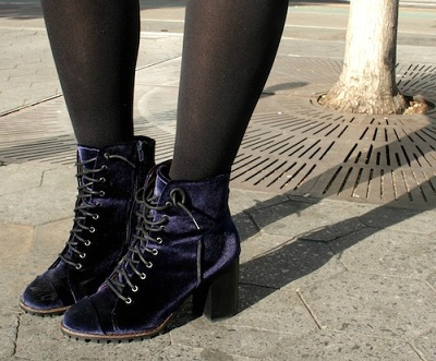 Velvet boots college fashion trend