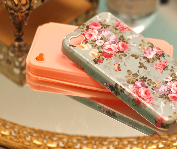 Vintage-Floral-iPhone-Case-Pale-Pink-Teal-Two-Parts