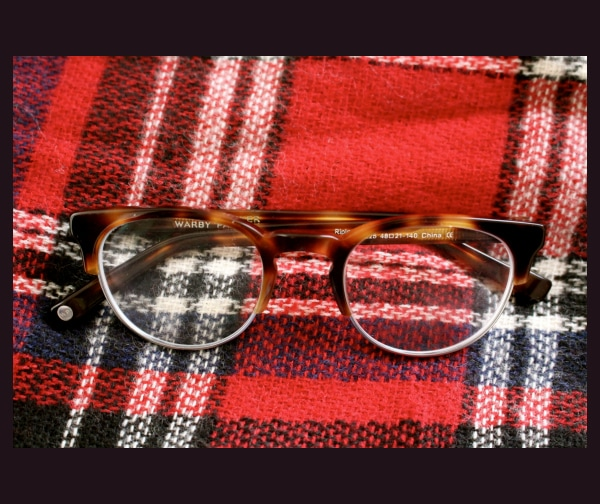Warby-Parker-Glasses-Clyde-Round-Tortouiseshell-Frames-by-Plaid-Blackground