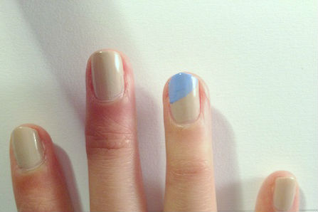 Wave inspired nails method2 step 1