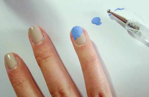 Wave inspired nails method2 step 3