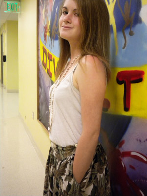 Trendy summer outfit a college fashionista at Wesleyan University