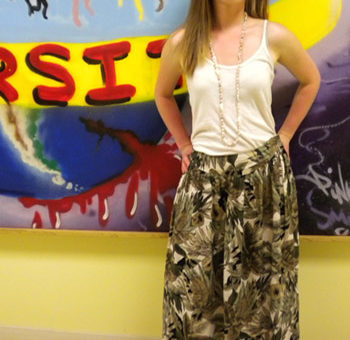Wesleyan University fashion - College fashionista Robin shows off her trendy street style