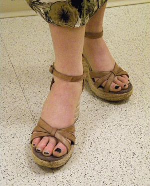 Trendy summer wedges on a college fashionista at Wesleyan University