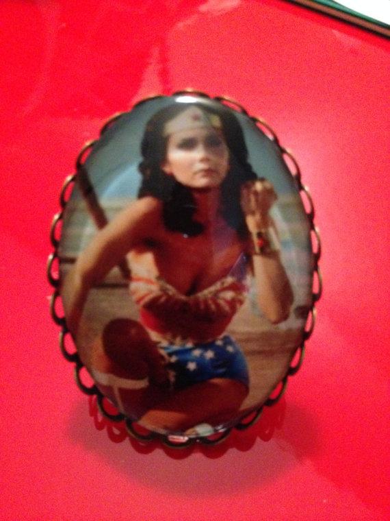 Lynda Carter Wonder Woman ring