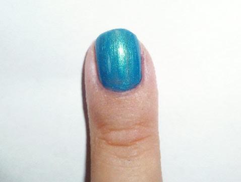 Yayoi Kusama nail art - blue nail