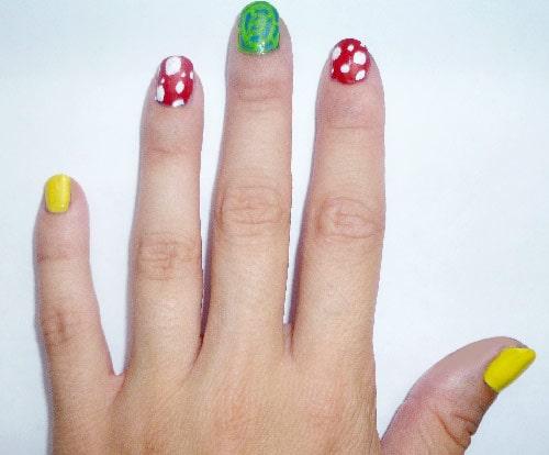 Yayoi Kusama nail art: Yellow nails