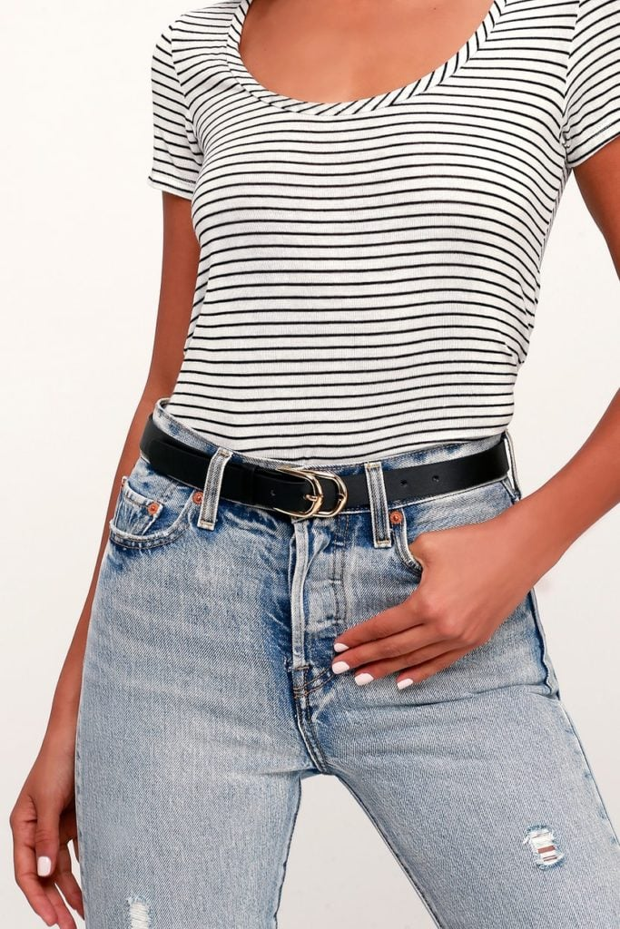Classic accessories: Black belt with gold buckle