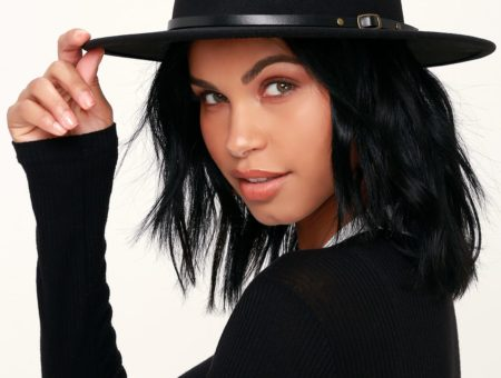 Best edgy accessories: Black fedora