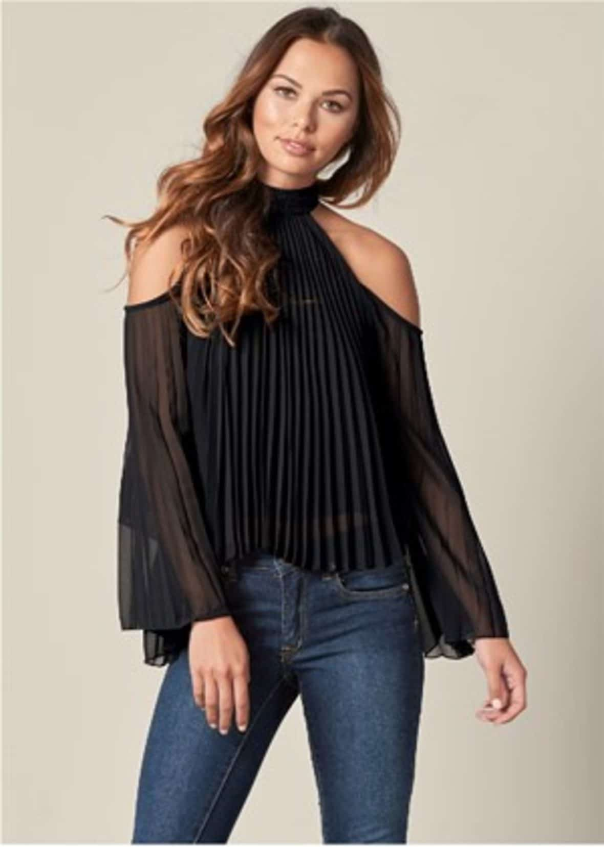 Venus pleated black top